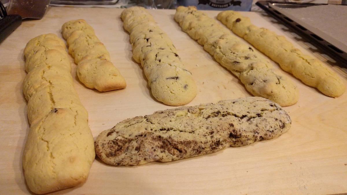 Dolci Da Credenza Biscotti Alle Nocciole : Natale nel lazio: i tozzetti con la nocciola gentile tonda romana